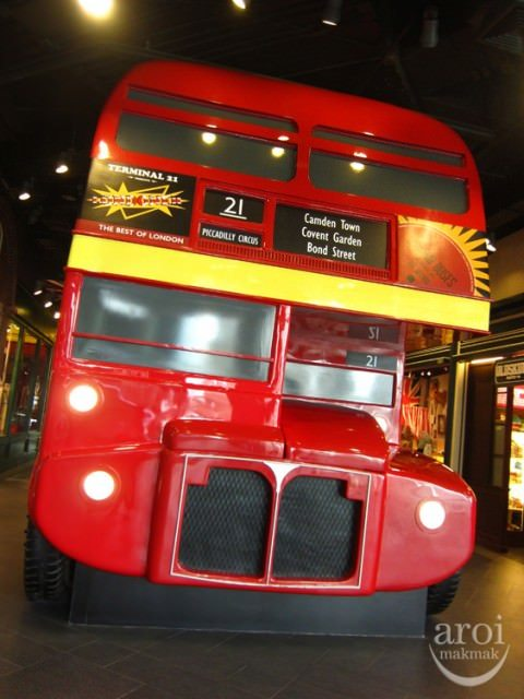 Terminal 21 - London Bus