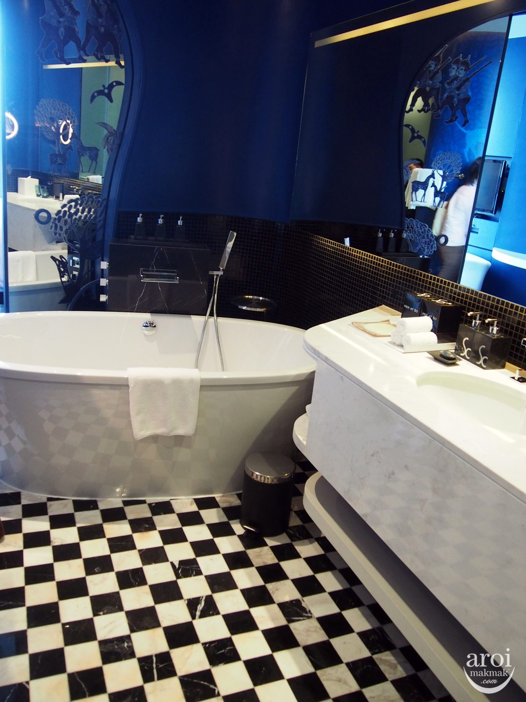 Sofitel So Bangkok - Earth Bathroom