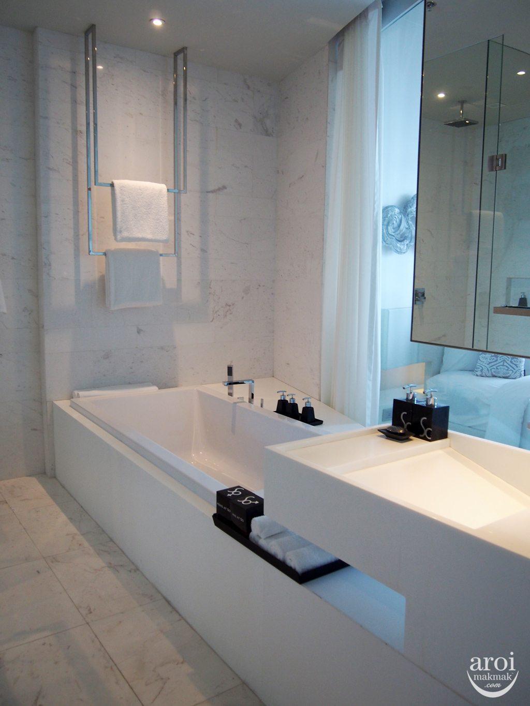 Sofitel So Bangkok - Metal Bathroom