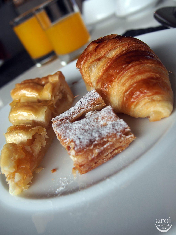 Cafe 9 - Breakfast