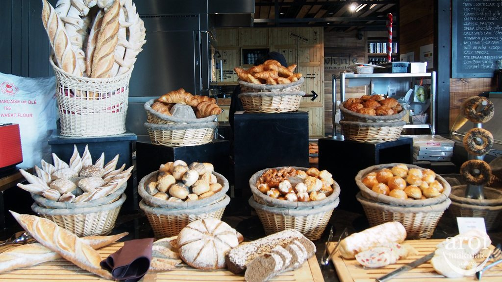 Red Oven Sofitel So Breakfast - Bread