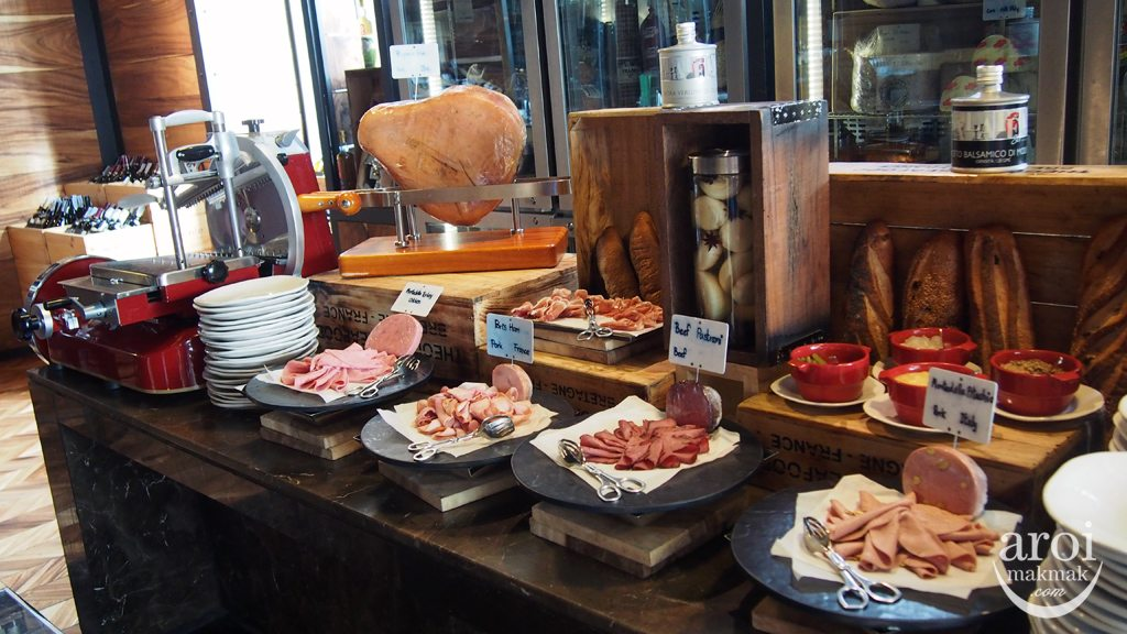Red Oven Sofitel So Breakfast - Ham