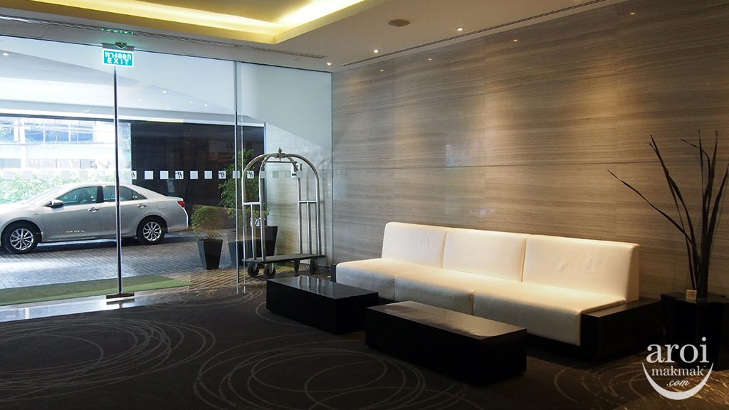 holidayinnsukhumvit22-lobby2