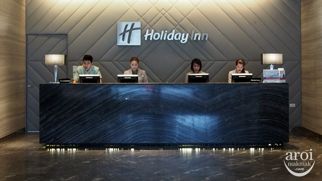 holidayinnsukhumvit22-reception