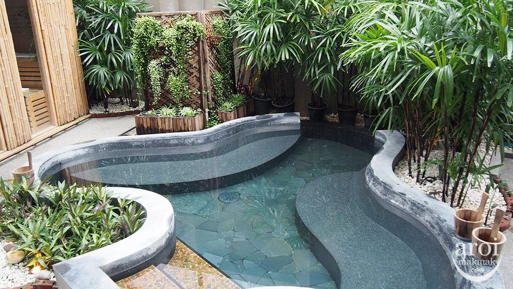 Yunomori Onsen Spa - Garden Bath
