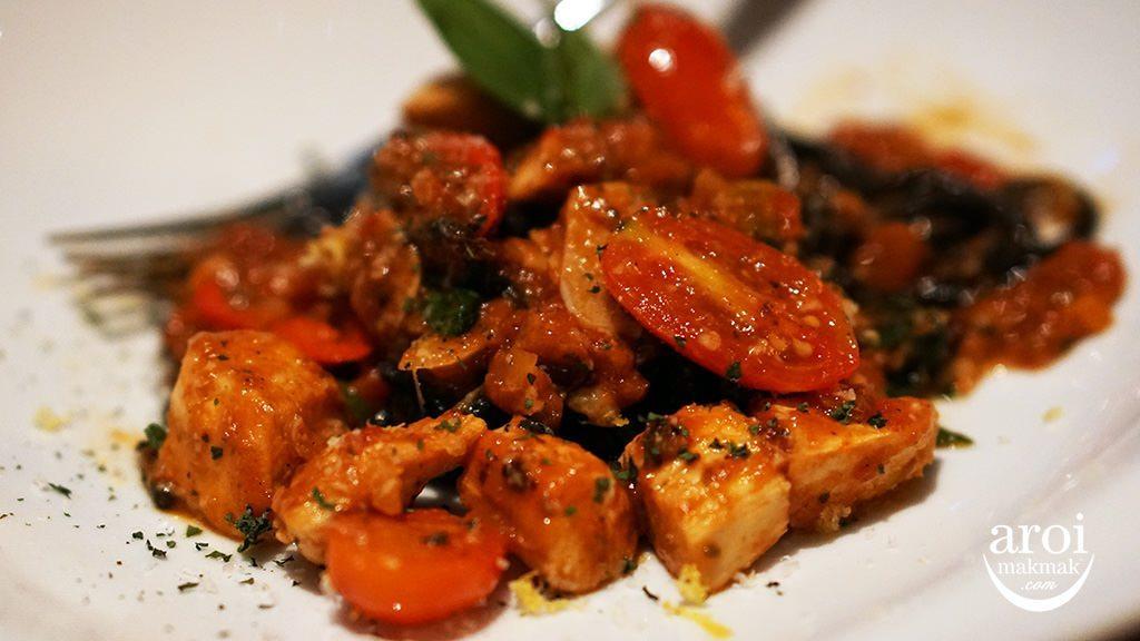mediniirestaurant-squidinkpastatomato