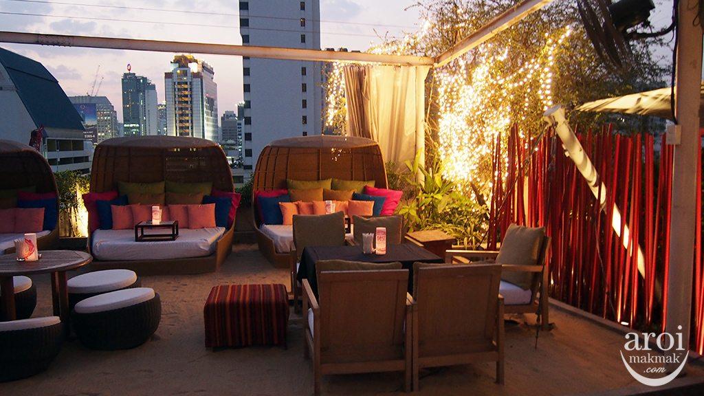 nest Rooftop Bar - Seats