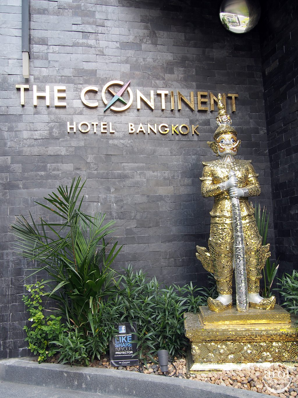 The Continent Hotel - Protector