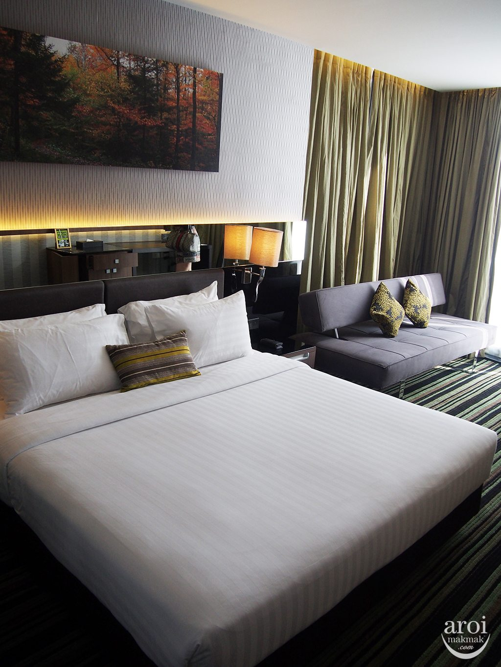 The Continent Hotel - Rooms