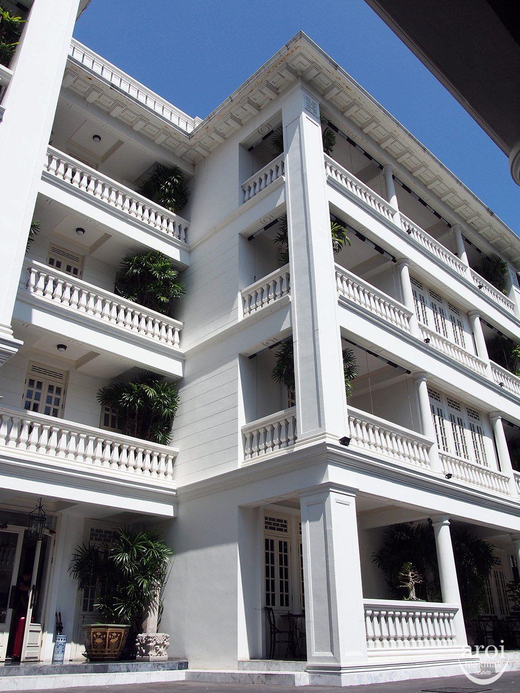 Cabochon Hotel - Facade