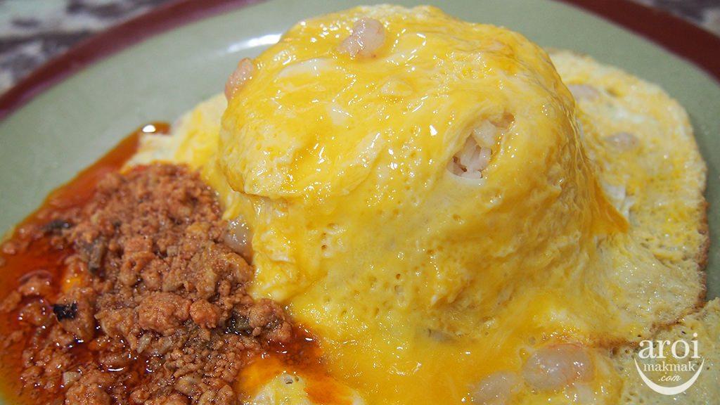 paortomyumgoongnoodle-curryeggomelette