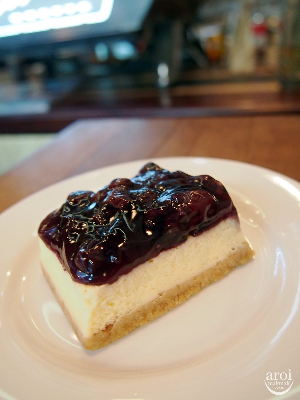 Casa Lapin x49 - Blueberry Cheesecake