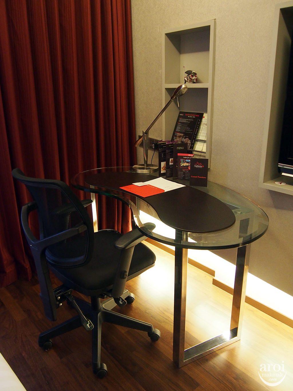Galleria 10 - Working Desk