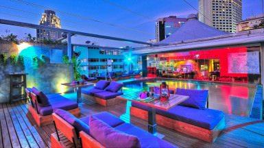 Leapfrog Bar & Grill - Exterior