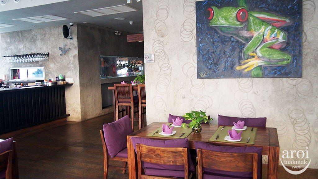 Leapfrog Bar & Grill - Restaurant