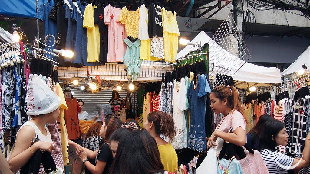 Pratunam Morning Market - Shops