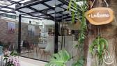 http://aroimakmak.com/wp-content/uploads/2014/05/cafeatease-entrance.jpg