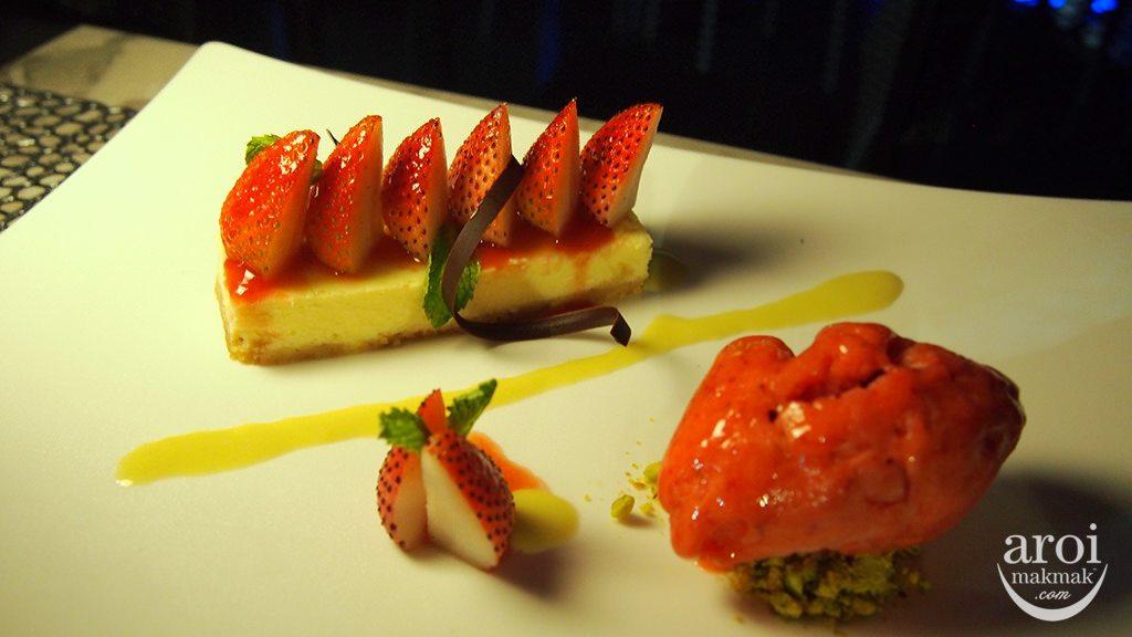 zoom-strawberrycheesecake