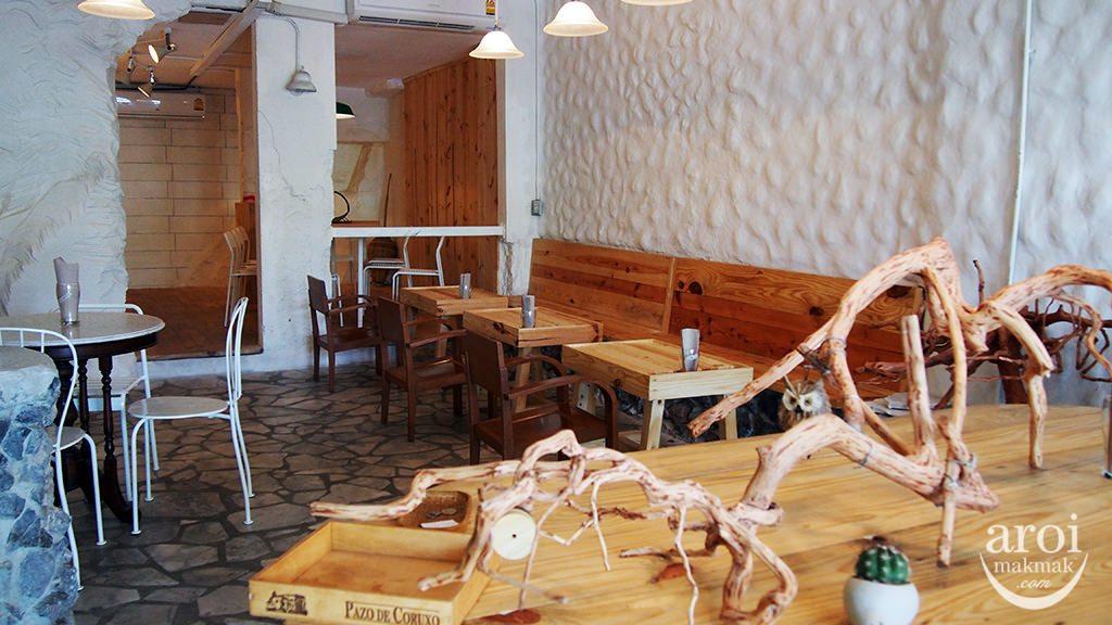porcupinecafe-interior