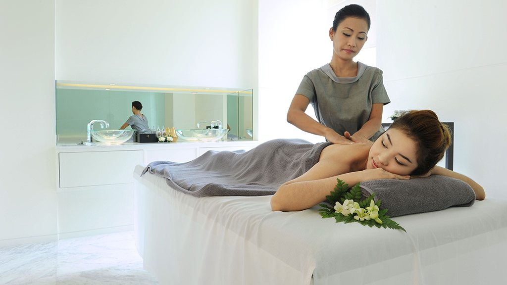 borisudpurespa-massagewithmodel