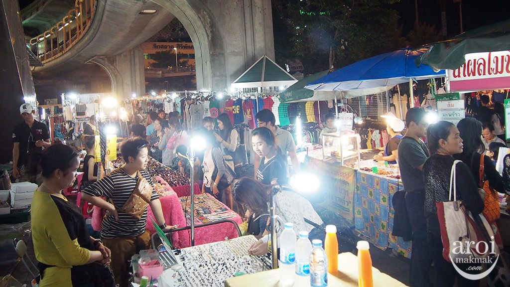 victorymonument-nightmarket7