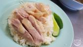 http://aroimakmak.com/wp-content/uploads/2014/11/kaitonpratunam-chickenrice1.jpg