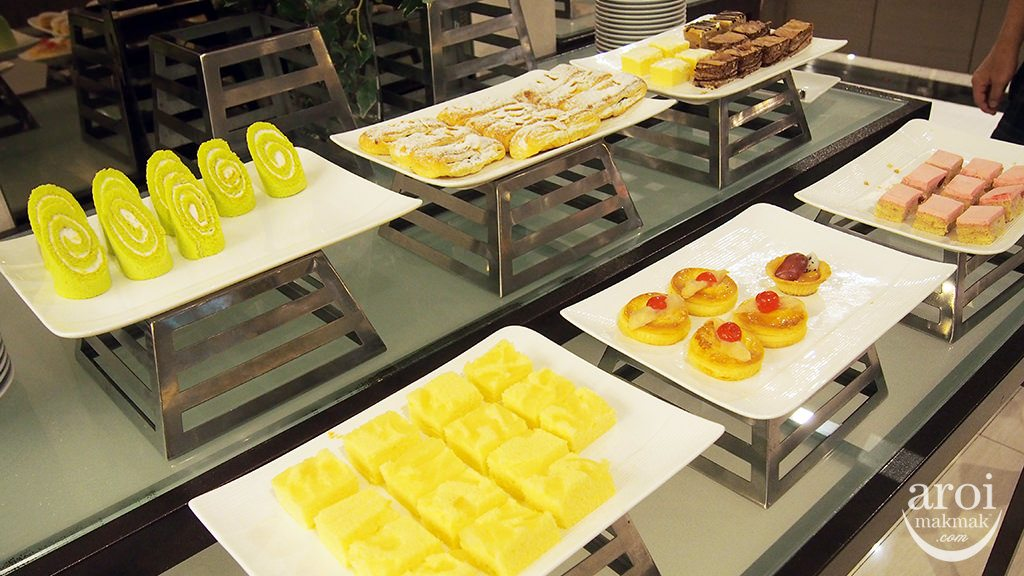 mandarinhotel-breakfast-pastries