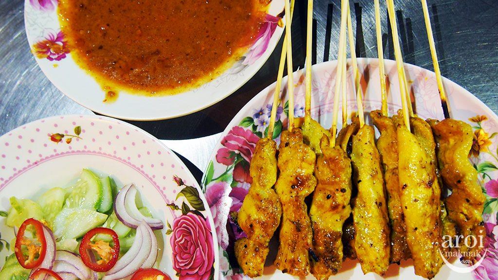 5 Must Try Mango Sticky Rice in Bangkok - AroiMakMak