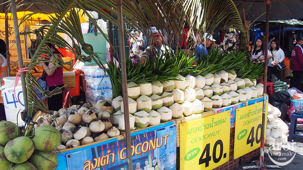 chatuchakmarket_coconut
