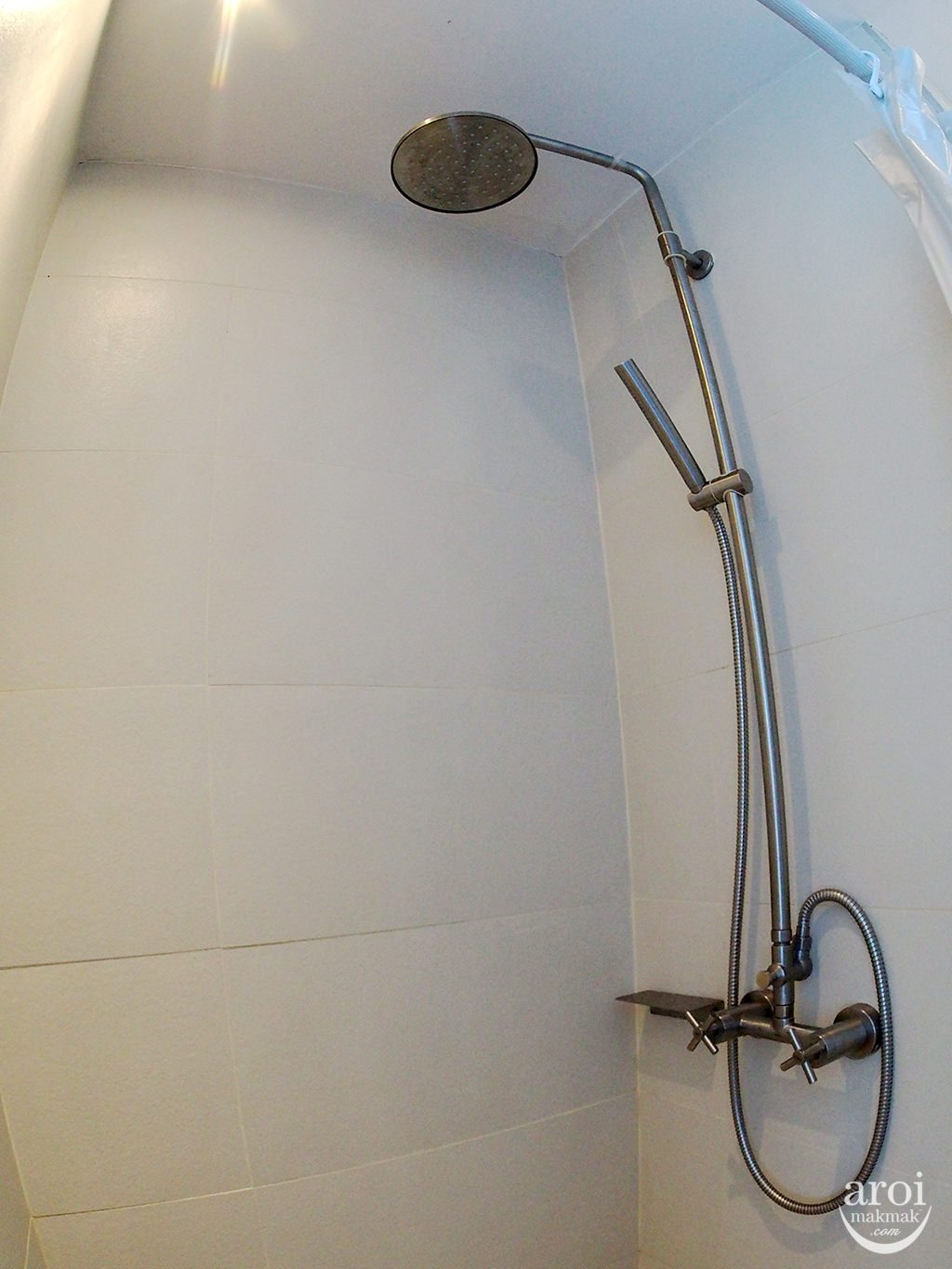 gaamhotelpratunam-shower