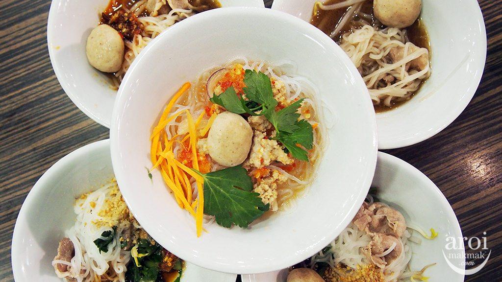 thaiboatnoodlesg-boatnoodlestack