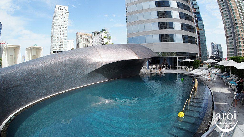 wbangkok-swimmingpool3