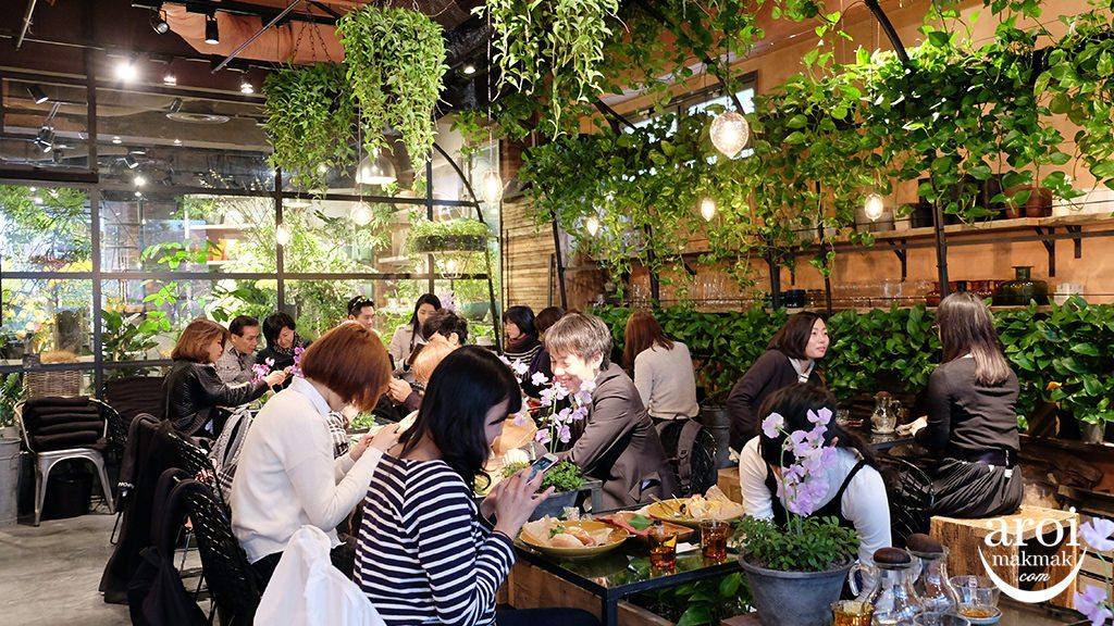 aoyamaflowermarket-interior