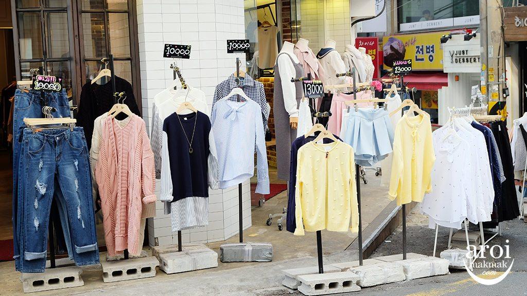 ewhawomansuniversity-fashionshoppingstreet5