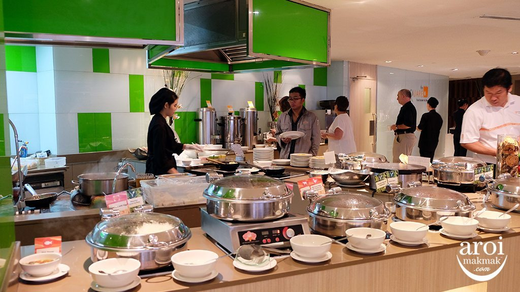 novotelsilom-breakfast1