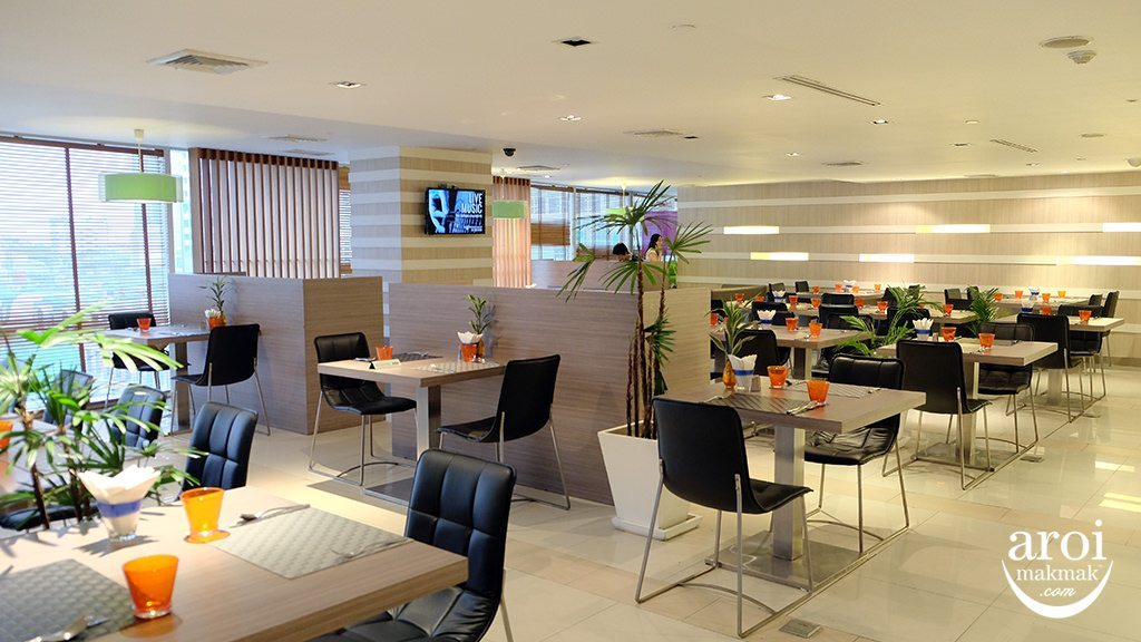 novotelsilom-breakfast2
