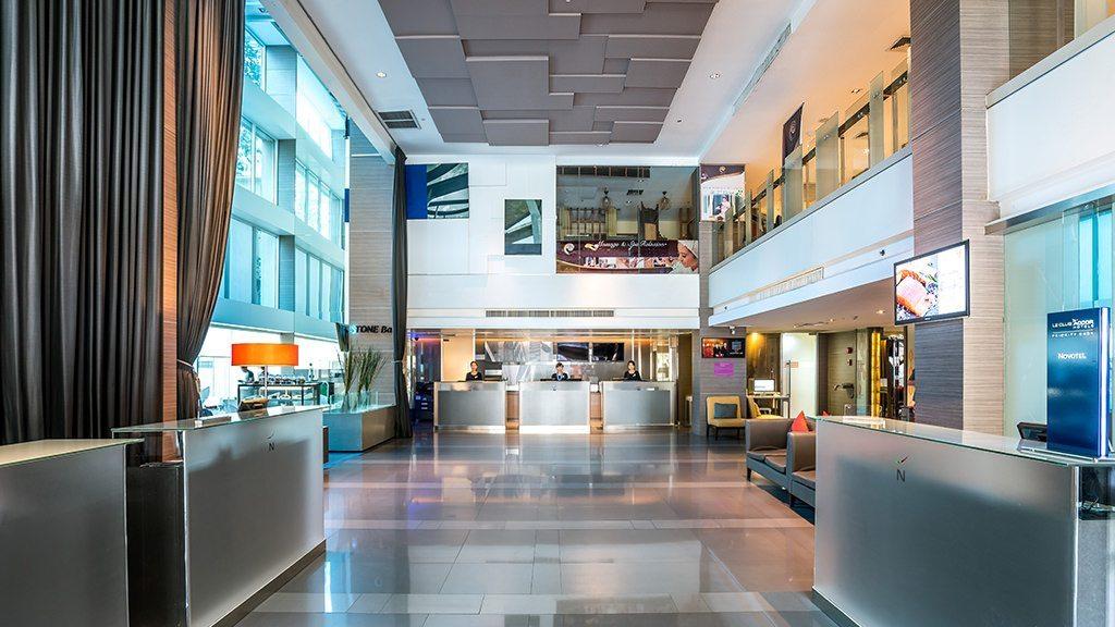 novotelsilom-lobby