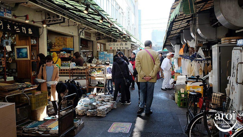 tsukijifishmarket-surroundings