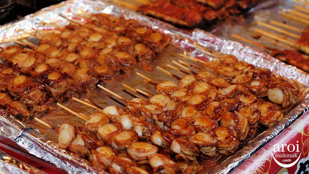 tsukijioutermarket-grilledscallops