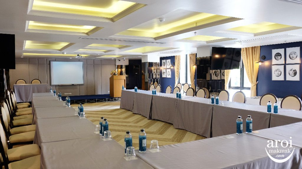 vincehotelpratunam-conferenceroom