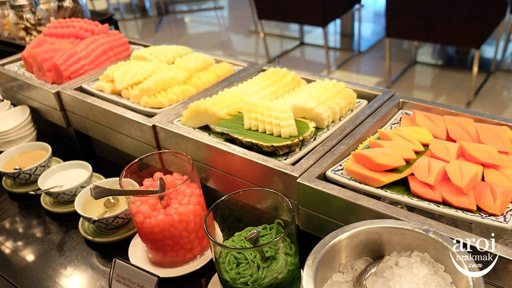 pathumwanprincessdinnerbuffet-fruitsstation