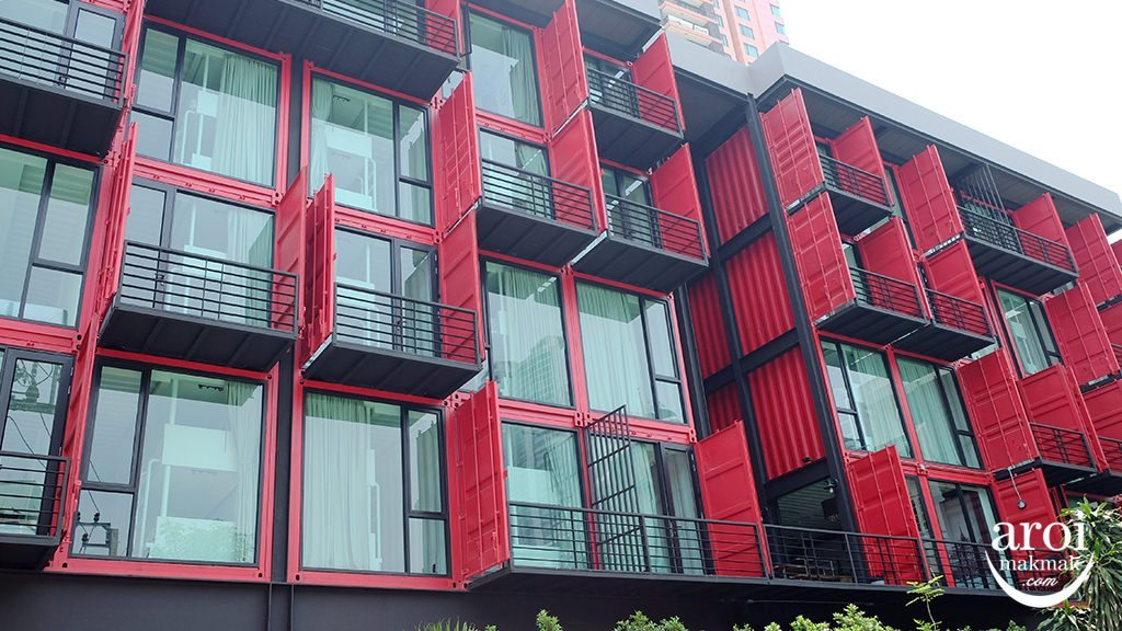 sleepboxsukhumvit22-facade1