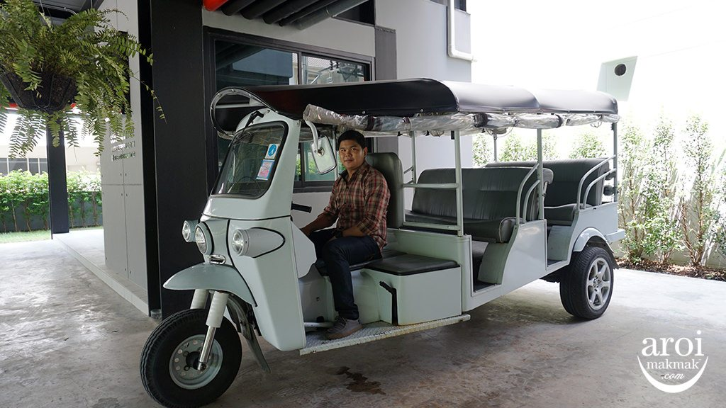 sleepboxsukhumvit22-tuktuk