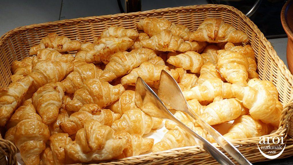 amazingthailandgrandsale2016-CentaraCroissants