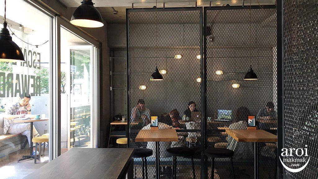 mojocoffeetokyo-interior