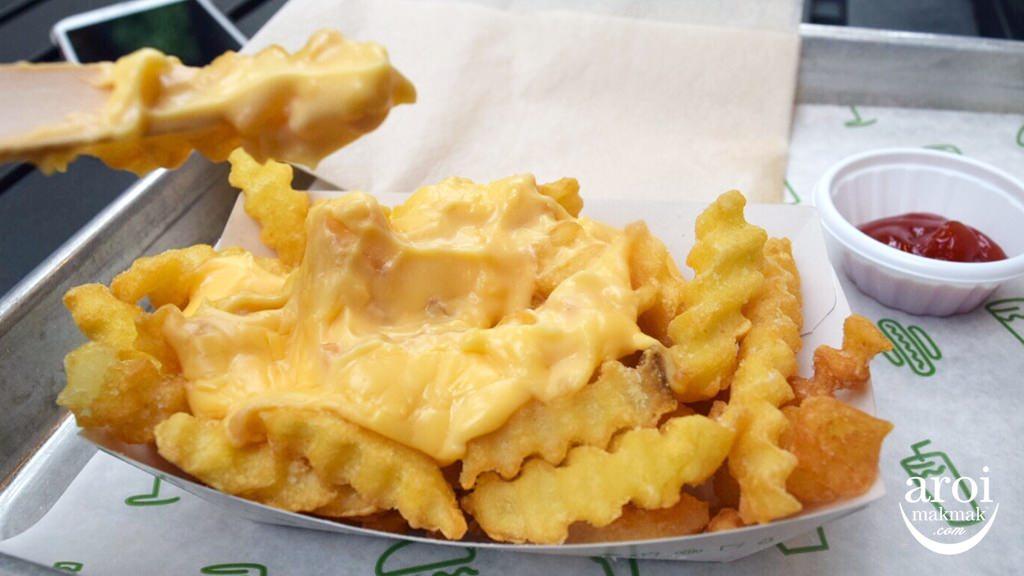 shakeshacktokyo-cheesefries