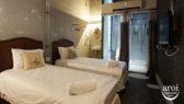 http://aroimakmak.com/wp-content/uploads/2016/08/onedayhostel-privateroomwithbathroom.jpg