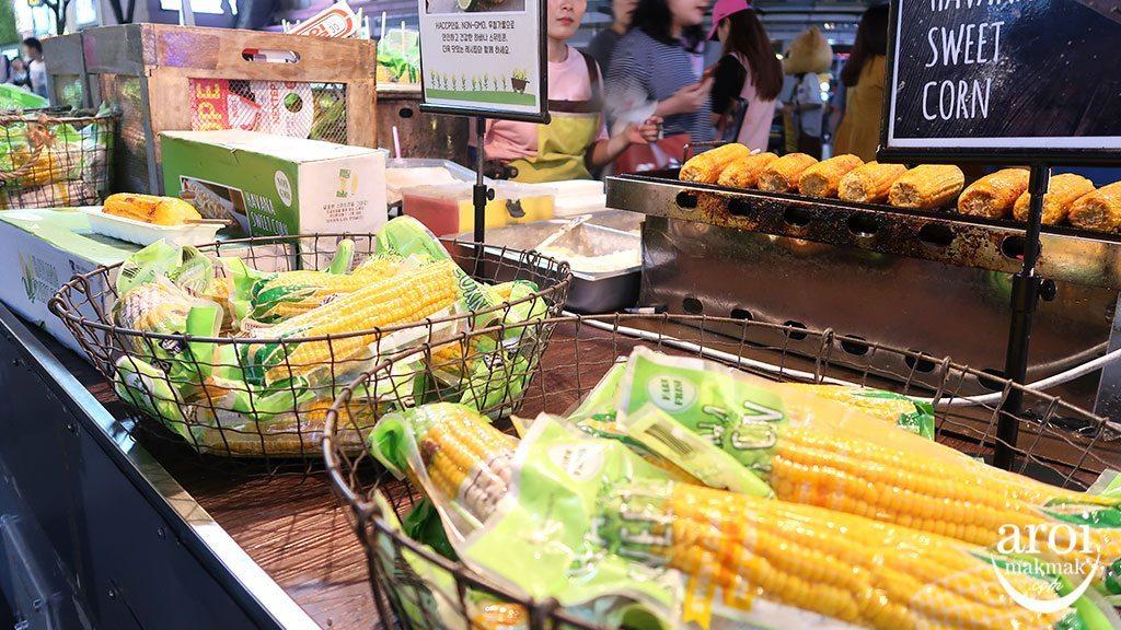 10myeongdongstreet_corn1