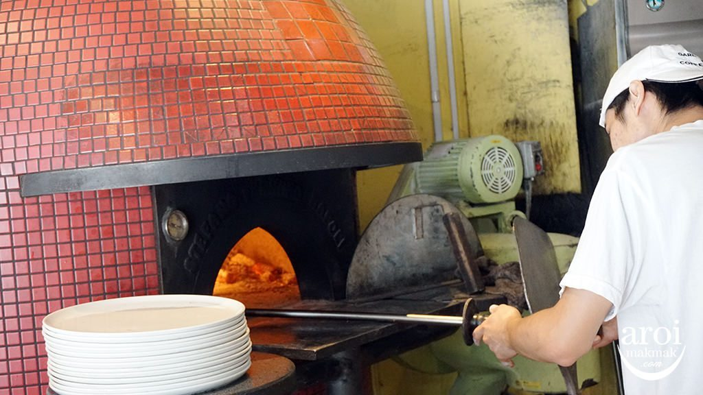 gardenbarandcoffeejapanosaka-oven