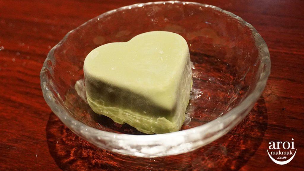 jojoenyakiniku-matchacicecream